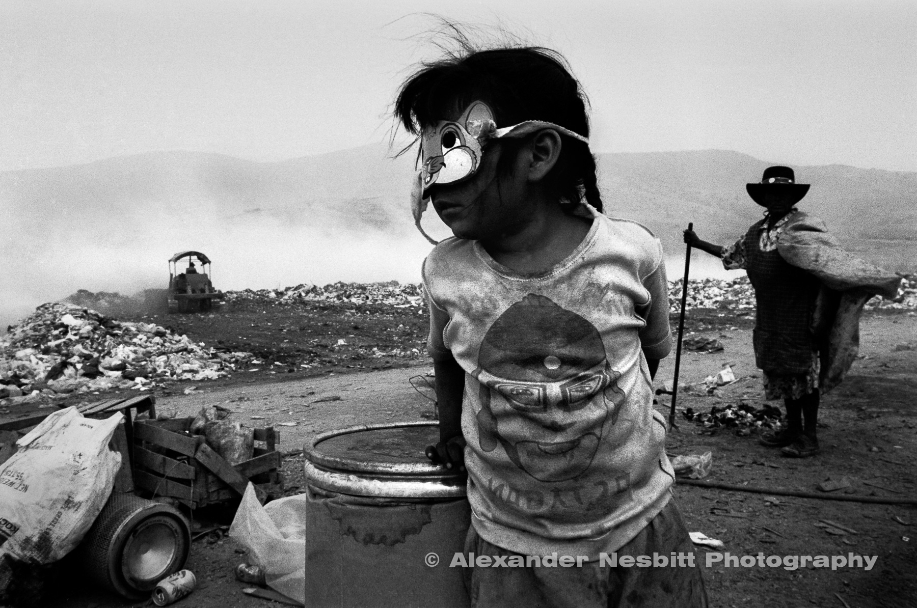 Nesbitt-portfolio-high-res-Mexico_dump_girl_with_mask_new